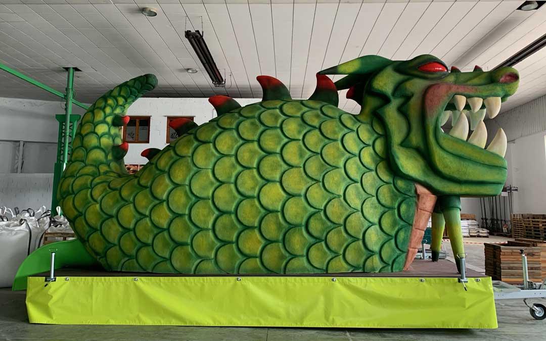 Tragachicos con la imagen del dragón que ha encargado el área de Festejos / Ayto. Alcañiz