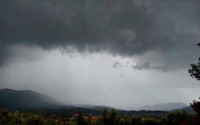 Varias tormentas barren el territorio y podrían repetirse durante la jornada del miércoles