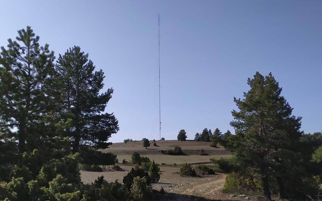 Paraje de la Capellanía, en Fortanete, con una torre anemométrica al fondo, donde va una de las centrales eólicas del Cluster Maestrazgo./Plataforma Paisajes de Teruel