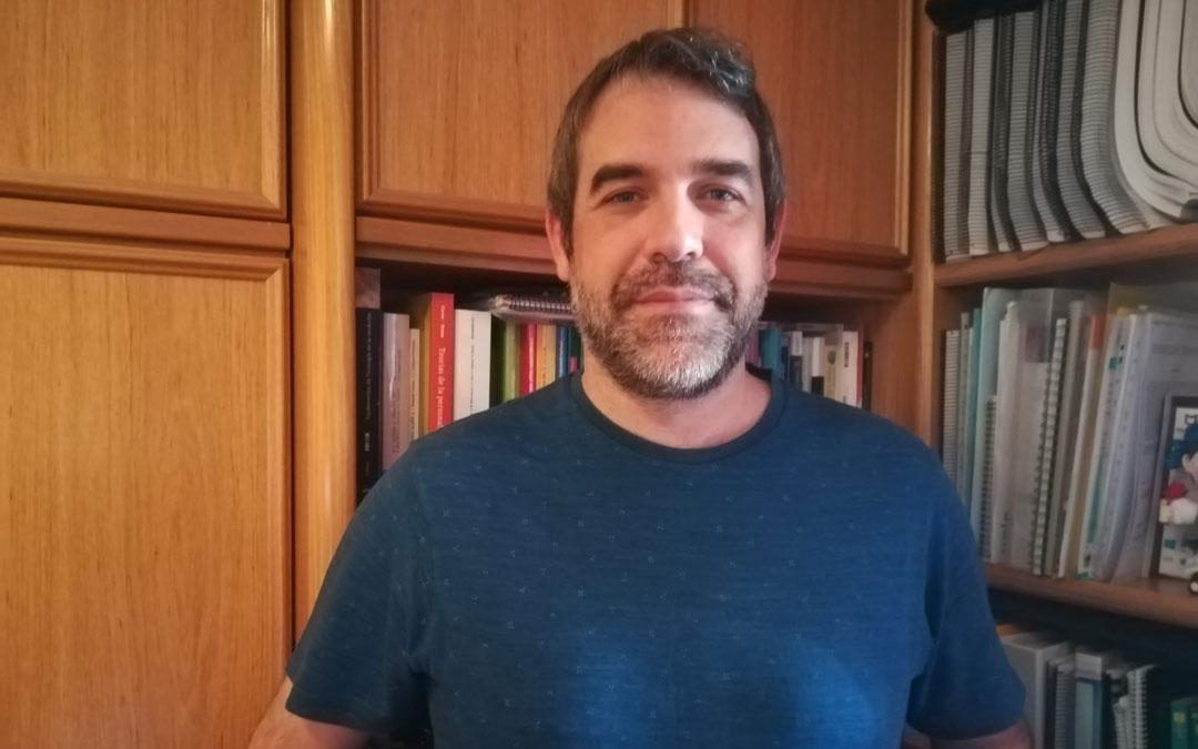 Alberto Quílez es profesor e investigador de la Universidad de Zaragoza / La Comarca