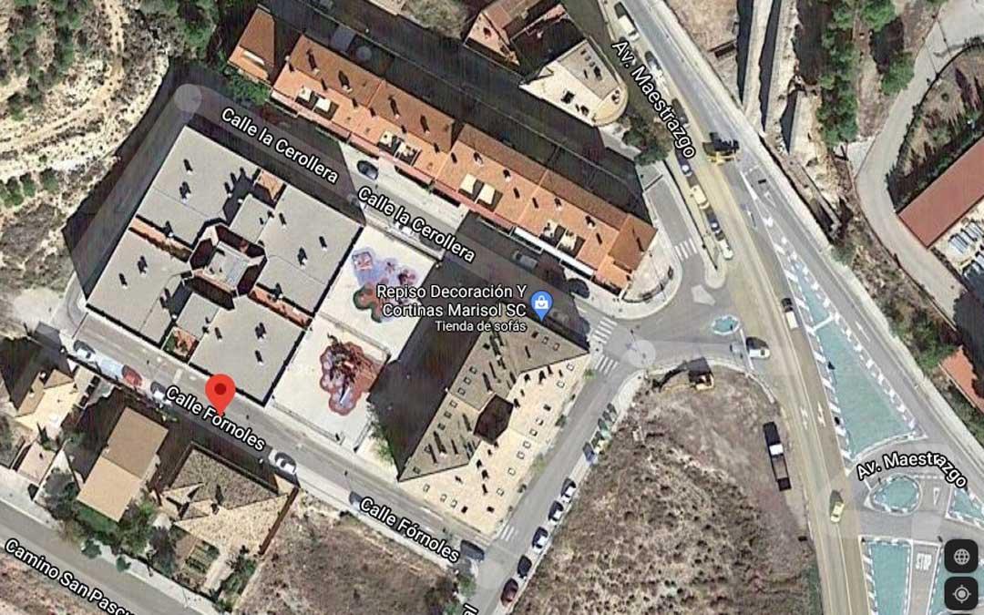 Los garajes están ubicados en el edificio entre las calles Fórnoles y La Cerollera, en el barrio de San Pascual.