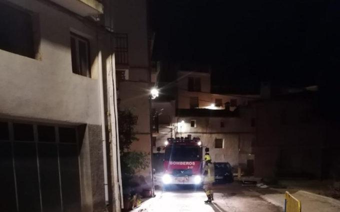 Incendian el cerramiento de una acequia que el ayuntamiento realizó con gran oposición vecinal en Cañizar del Olivar
