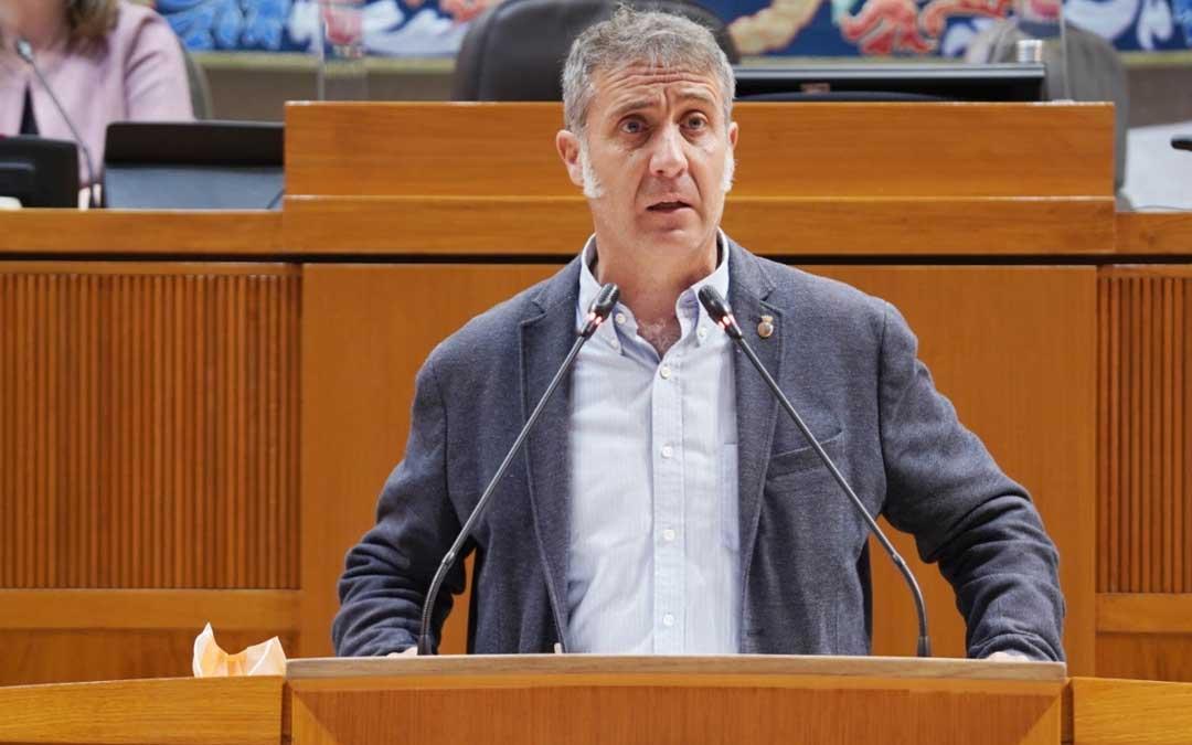 El diputado de Ciudadanos Ramiro Domínguez en su intervención en las Cortes de Aragón. Foto: Prensa Ciudadanos Aragón