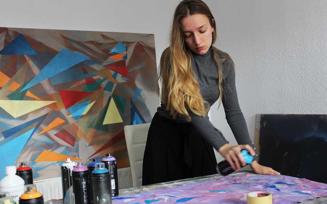 Estela Ferrer nos presenta una exposición con una serie de creaciones artísticas en las que utiliza la abstracción como un vehículo para divagar en nuestro interior / E.F.
