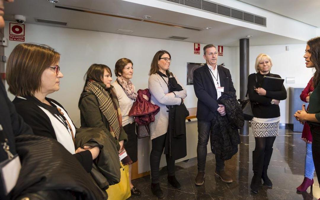 Familiares de las víctimas comparecieron en noviembre de 2016 en las Cortes de Aragón para pedir una investigación del suceso./Guillermo Mestre HERALDO