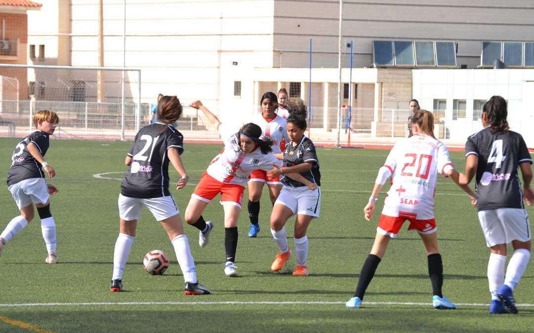 El partido entre alcañizanas y montisonenses se jugó en la tarde del domingo. Foto: J.V.