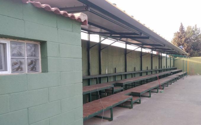 Las gradas de las pistas de tenis de Caspe ya cuentan con cubierta