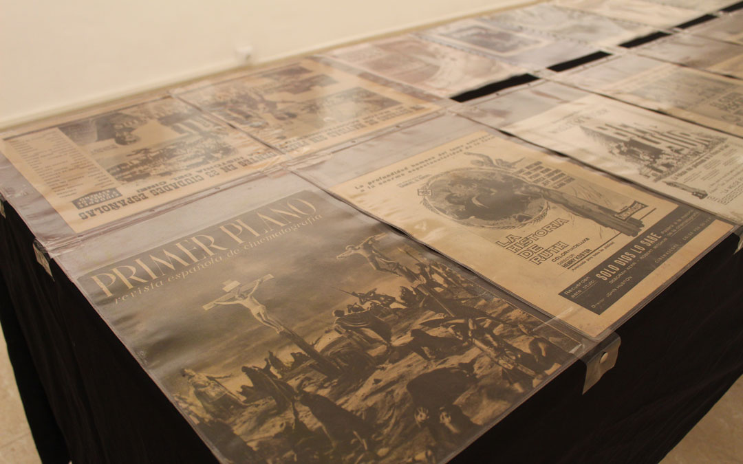 Algunas de la publicaciones en medios de la época. / B. Severino