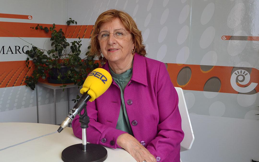 María Victoria Broto, consejera de Ciudadanía y Derechos Sociales del Gobierno de Aragón en su visita a Radio La Comarca./ J.V.