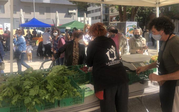 Gran acogida del mercado agroecológico Bajo Aragón de Alcañiz
