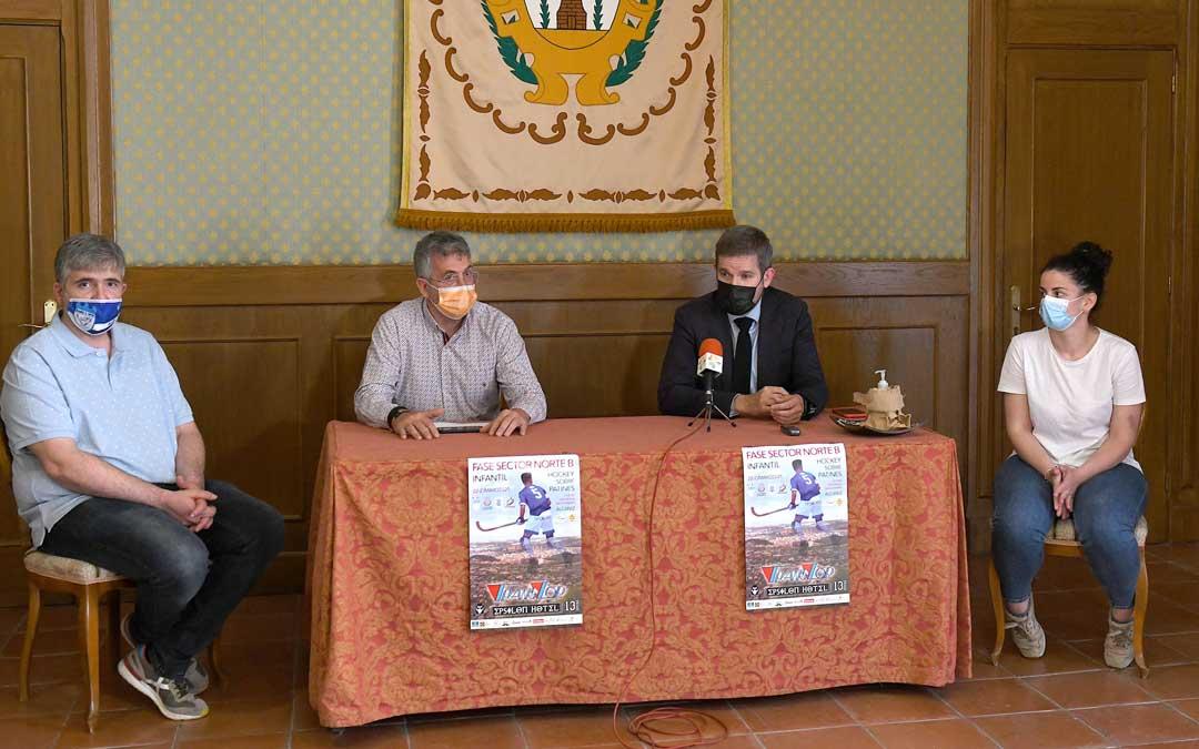 La presentación del torneo ha tenido lugar en la sala de cuadros del consistorio alcañizano. Foto. J.P.