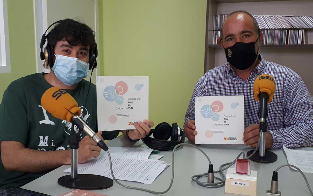 Rafael Guardia, concejal de medio ambiente del consistorio caspolino y el educador ambiental, Jorge Gracia. Foto: J.V.