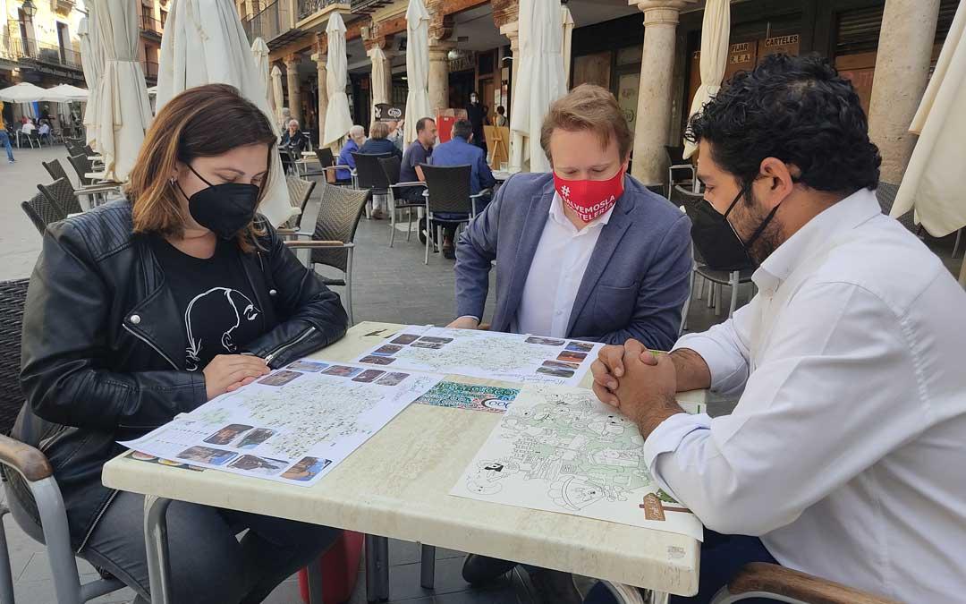 La presentación ha contado con la presencia del Presidente de Teruel Empresarios Turísticos, quien ha estado acompañado por Diego Piñeiro y María Ariño,./Teruel Empresarios Turísticos