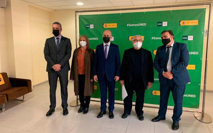 El ministro de Universidades, Manuel Castells, presenta en Teruel el proyecto de la UNED contra la despoblación