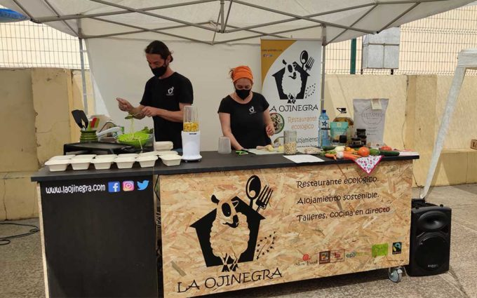 Cocina en directo en la segunda edición del mercado agroecológico Bajo Aragón de Alcañiz