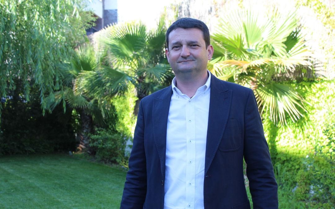 Miguel Ángel Estevan, como nuevo presidente de la Junta Local del PP en Alcañiz . / B. Severino