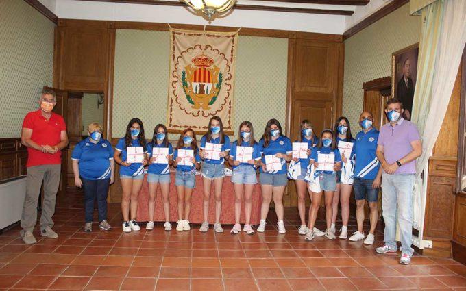 Recepción en el Ayuntamiento al alevín del Club Voleibol Alcañiz antes del Campeonato de España