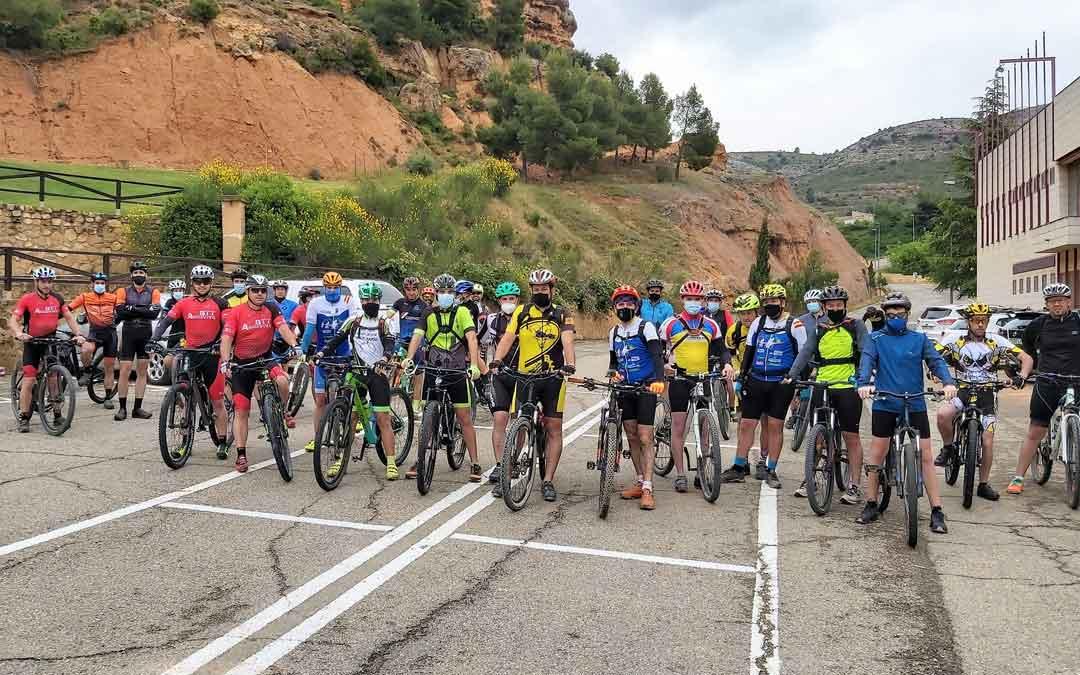 Participantes en la salida en BTT que tuvo lugar el fin de semana en Alcorisa. Foto. Ayto. Alcorisa