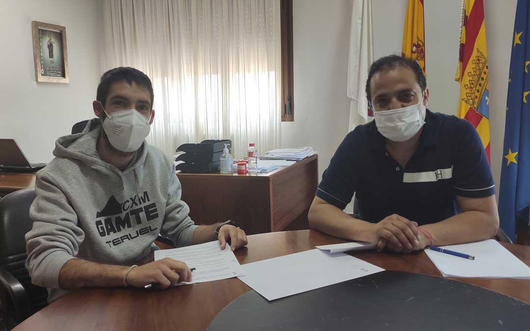 Firma del convenio entre el Ayuntamiento y la Asociación de Familiares y Enfermos de Alzheimer y otras Demencias del Bajo Aragón (ADABA) / Ayto. Andorra