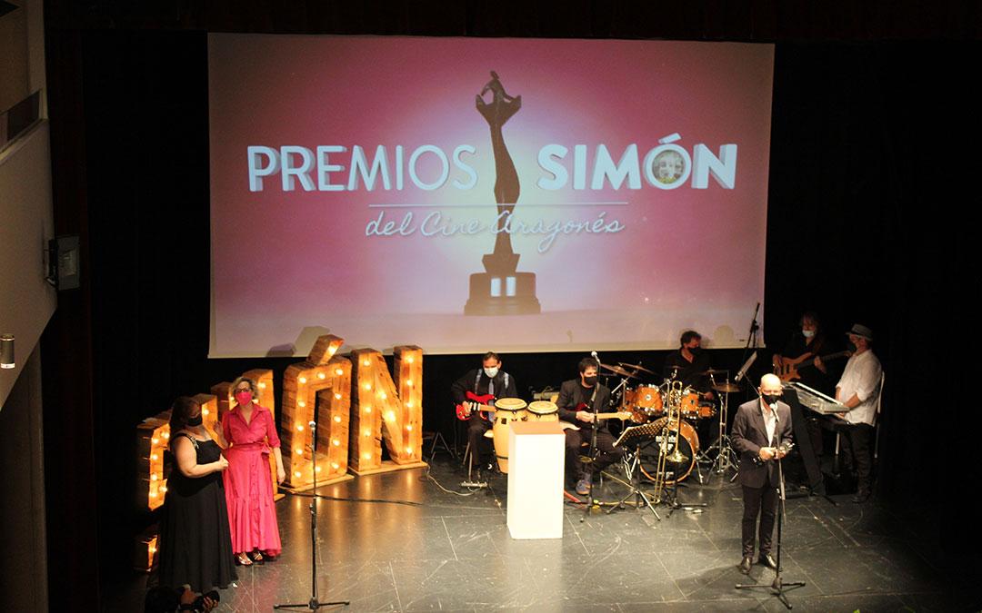 José Manuel Herráiz recoge el premio a Mejor Sonido por 'Nebra, el triunfo de la música'. / B. Severino