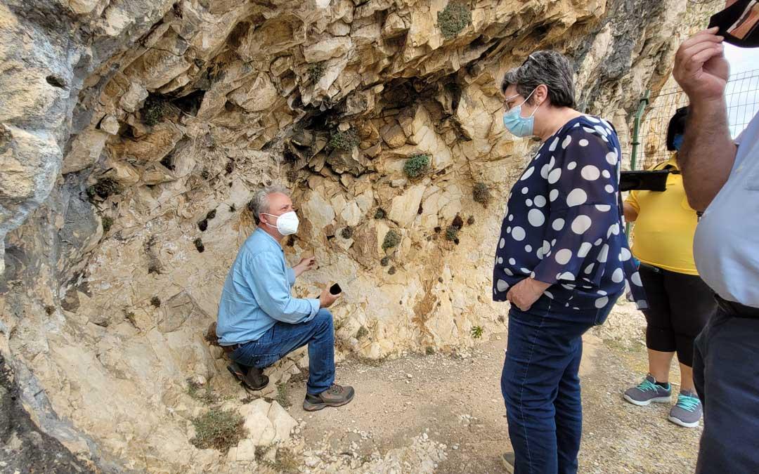 En el Barranco del Mortero en Alacón donde se probó la app de realidad aumentada con las pinturas rupestres. / DGA