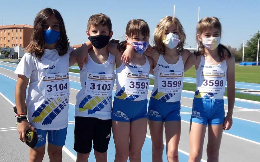 Los componentes del equipo de atletismo benjamín del A.O.Civiles Tragamillas Alcañiz. Foto. Tragamillas