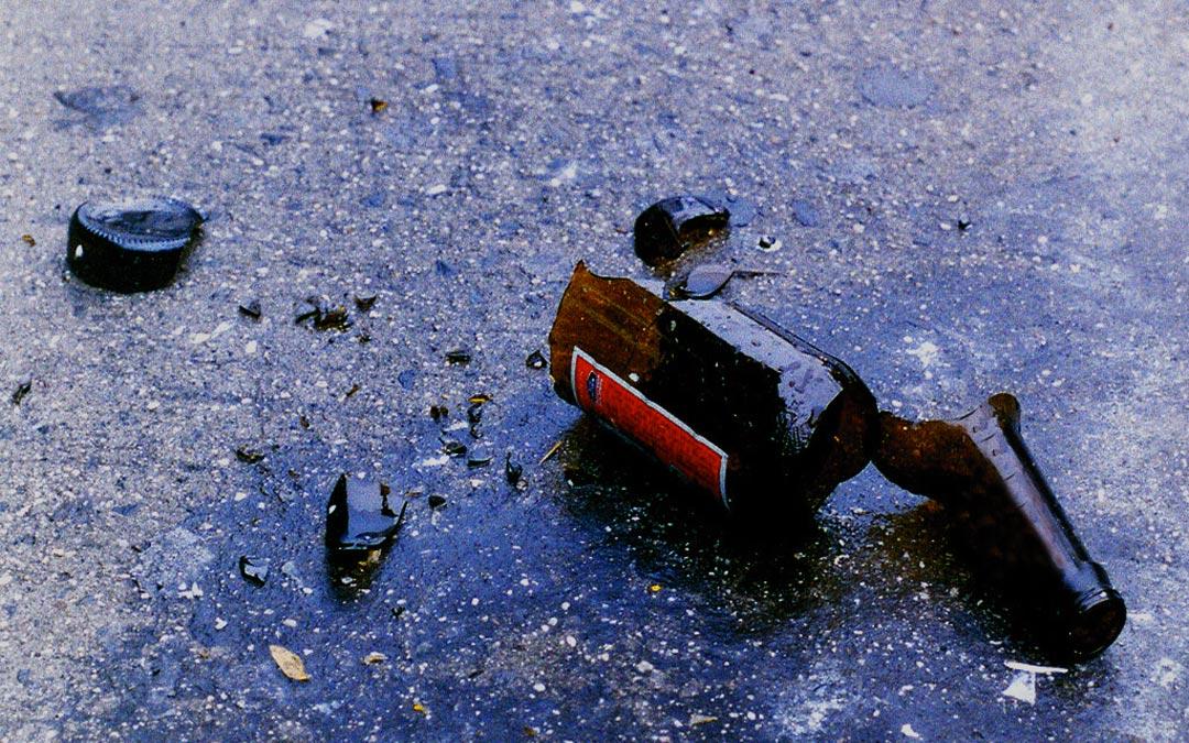 Imagen de recurso de una botella de cristal rota./ L.C.