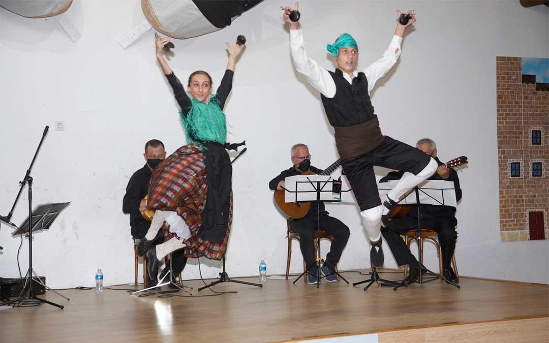 Las jotas fueron las protagonistas de los actividades culturales de 'El Cachirulo' de Alcañiz./ Javier Pellicer