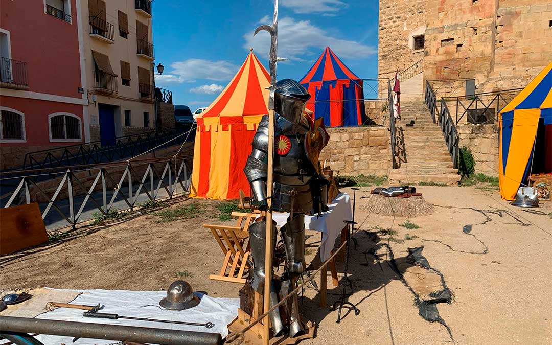 Manejo de armas medievales en la recreación histórica del Compromiso de Caspe./ Eduard Peralta