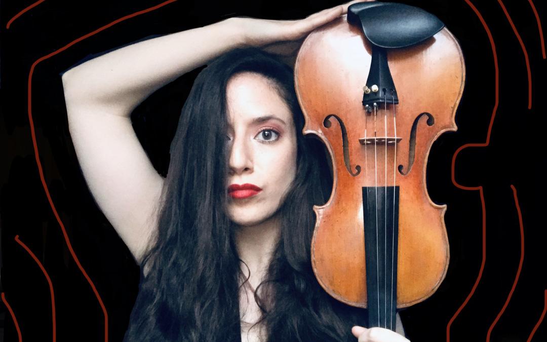 A Cristina Pérez Esteban le encantaría tocar en Alcañiz donde actuó en 2013 de la mano de la Fundación Quílez Llisterri. / Archivo personal