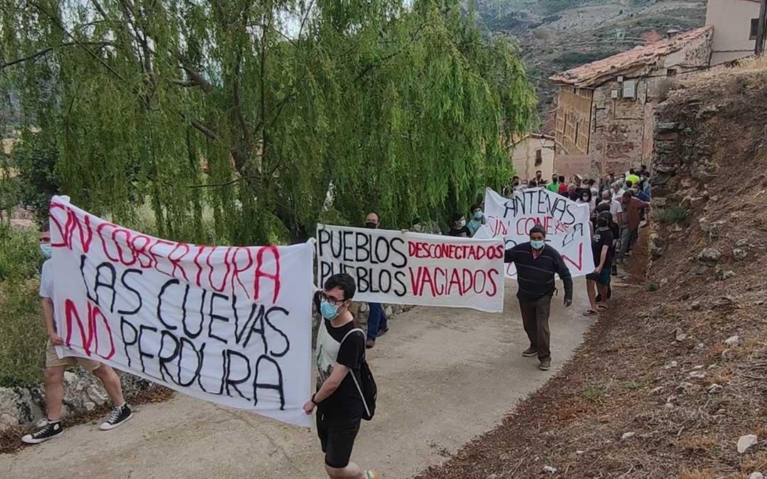 La manifestación recorrió algunas de las calles de la localidad a última hora del sábado./ Ayto. Las Cuevas