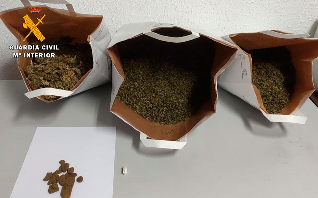 Dos detenidos como presuntos autores de tráfico de drogas en Caspe /Fuente: Guardia Civil