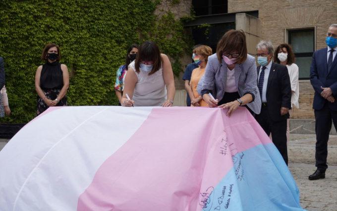 La Diputación de Teruel se suma a la acción institucional de reivindicación de los derechos de las personas trans