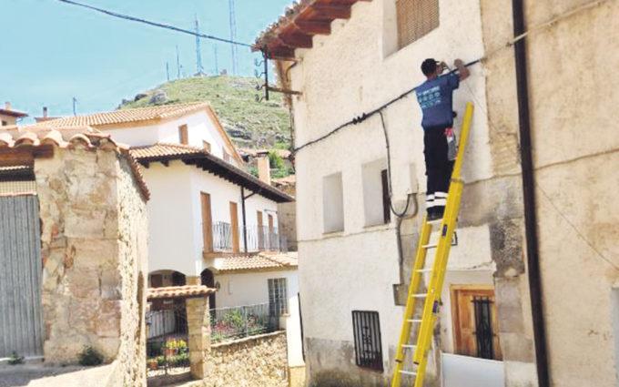 Ejulve ya dispone de fibra óptica y de cinco puntos de wifi gratuitos