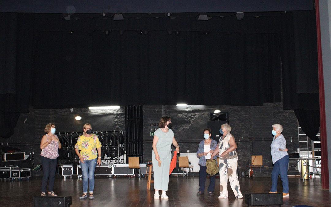 Los actores y actrices han estado ensayando por grupos en el Teatro Goya /Fuente: Pilar Sariñena