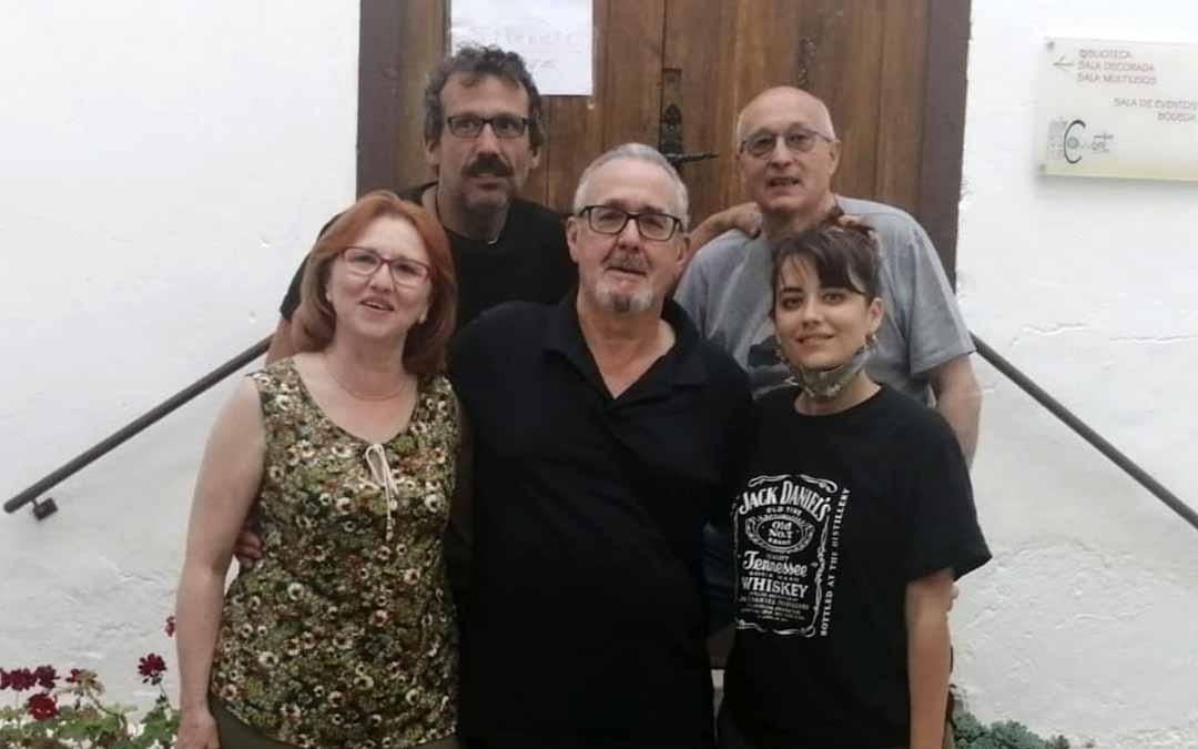 Imagen del equipo de producción y dirección del reportaje 'Lo Chapurriau'.