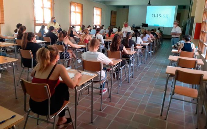 Más de 250 estudiantes se examinan de la Evau en cinco centros del Bajo Aragón Histórico y Cuencas Mineras