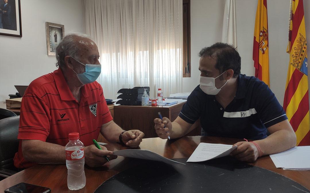 Firma del Ayuntamiento con Cruz Roja./ Ayto. de Andorra