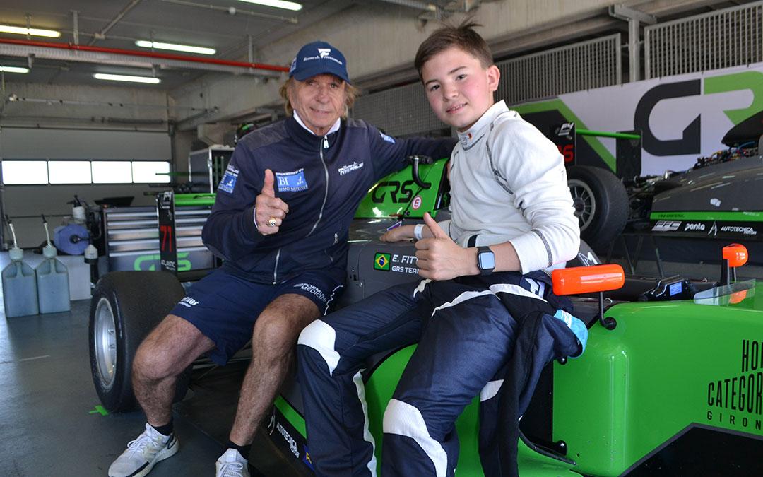 Emerson Fittipaldi junto a su hijo Emmo en uno de los Box de Motorland Aragón./ Javier Vílchez