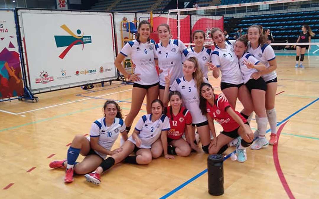 Las componentes del equipo juvenil del Club Voleibol Alcañiz. Foto. Facebook C.V. Alcañiz