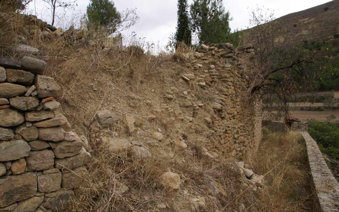 Muro afectado por los derrumbes./LA COMARCA