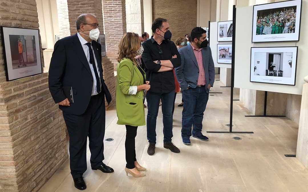 Inauguración de la exposición coorganizada por el Museo de Teruel de la DPT y la Asociación Profesional de Fotoperiodistas de Aragón./ DPT