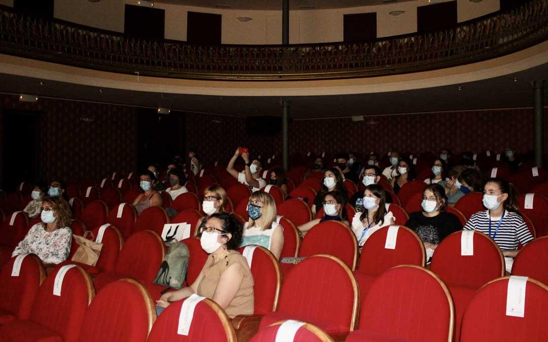 Público en la sesión de este miércoles / L.C.