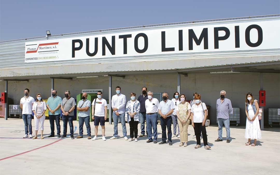 Al acto inaugural acudió todo el equipo de gobierno caspolino, pero además asistieron también representantes comarcales./ P.S.