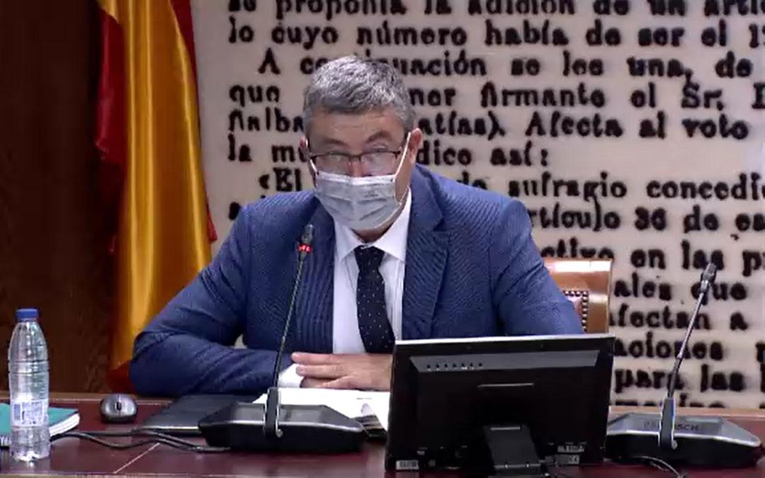 Emilio Querol intervino como invitado por parte de la Agrupación de Electores Teruel Existe en la Ponencia de Transición Energética / TE
