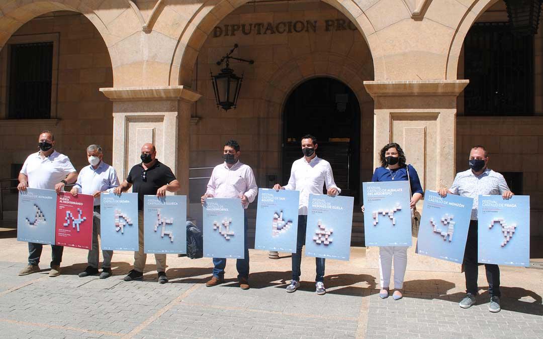Representantes de los municipios donde este año se celebrará el Festival de los Castillos de Aragón. Foto. Haiku Comunicación
