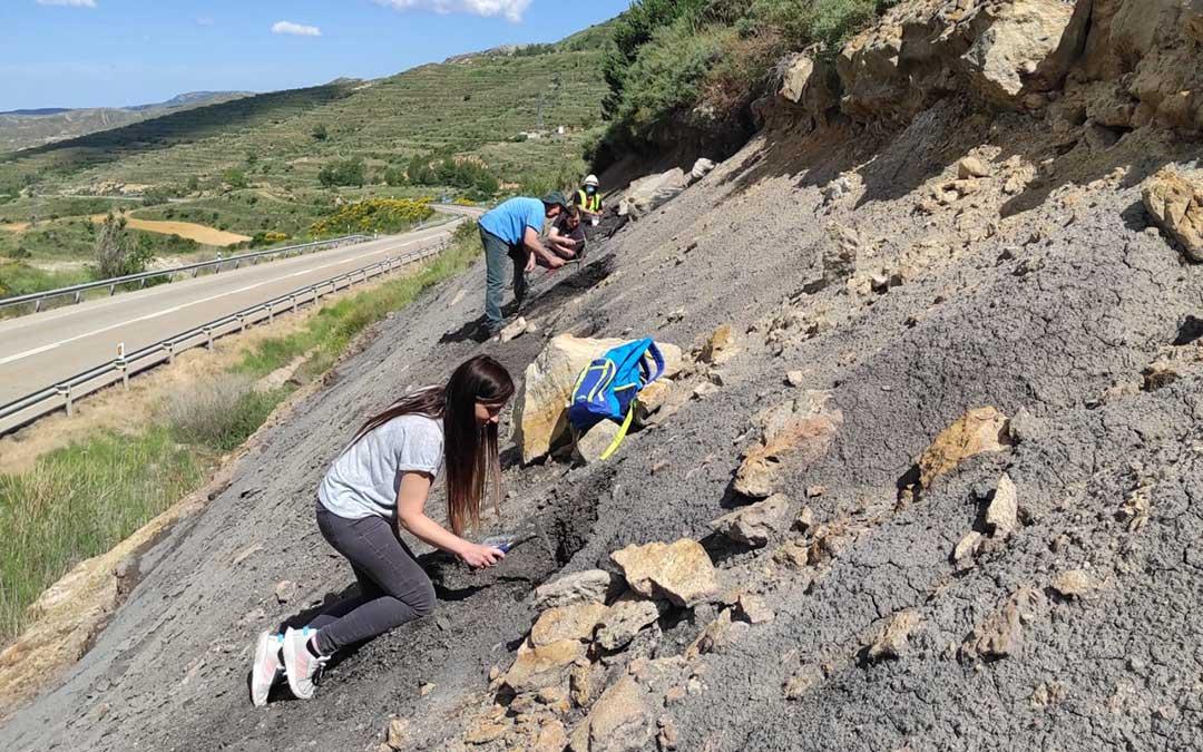 Los trabajos en el yacimiento de Sant Just, en Utrillas, se iniciaron este lunes y se desarrollarán durante toda la semana./ Sergio Álvarez
