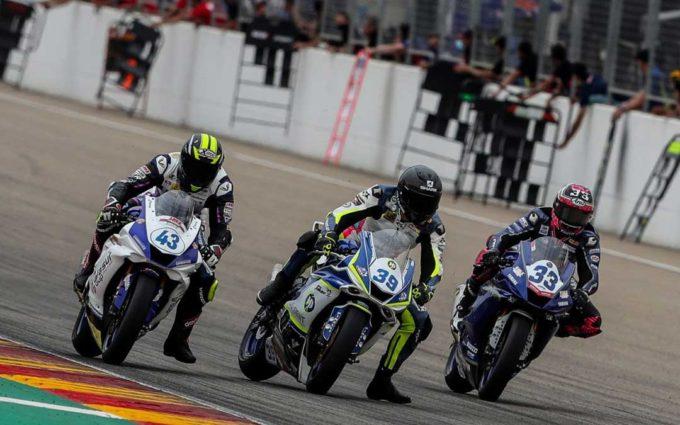 Lluvia y emocionantes carreras marcan la  jornada del sábado del Campeonato de España de SBK en Motorland