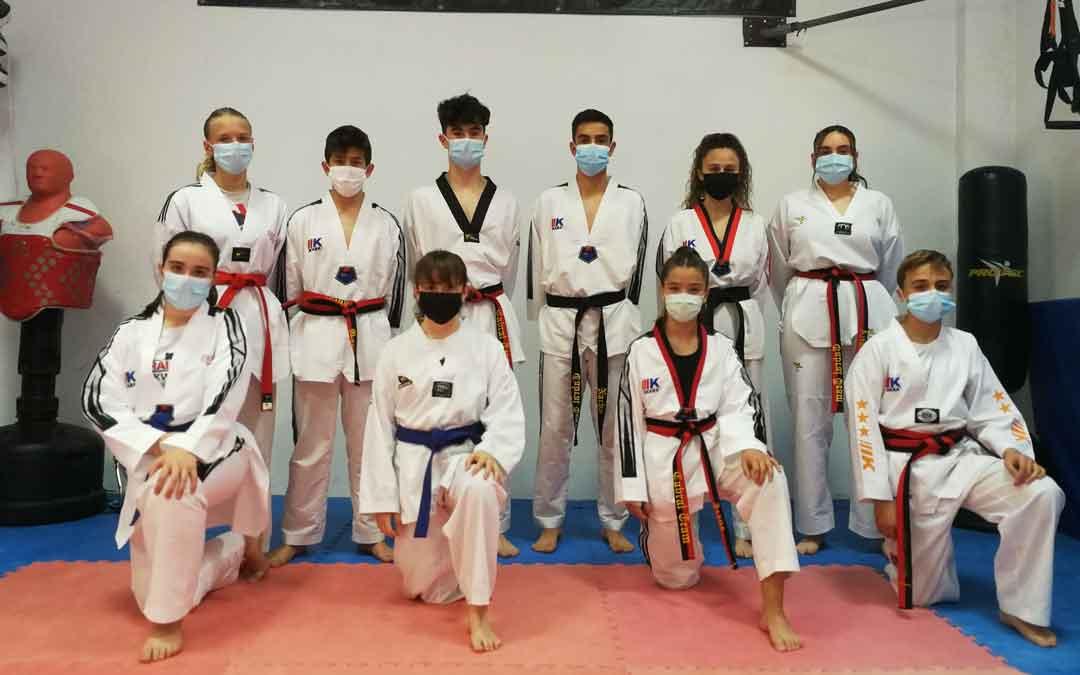 Los taekwondistas del Cabral Team que acudieron a Zaragoza. Foto. Cabral Team