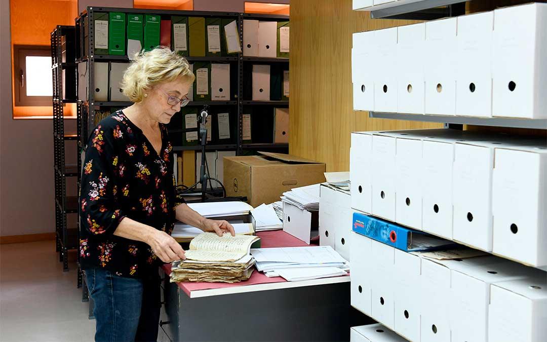 Teresa Thomson, técnica del Archivo Municipal de Alcañiz./ Ayto. de Alcañiz